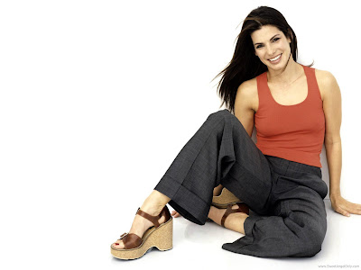 Sandra Bullock Mouthwatering Wallpaper