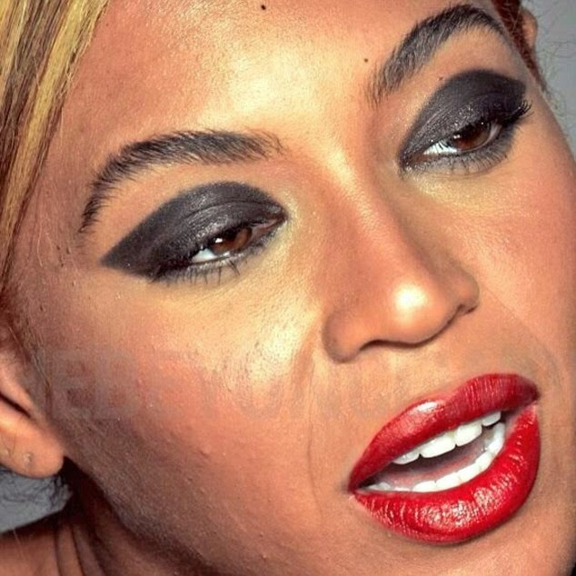 Beyonce Fans Freak Out Over Leaked Pics (1)