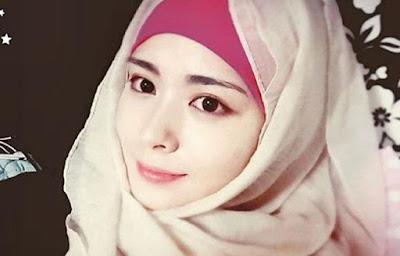 Hijaber Cantik Asal Korea Yang Hebohkan Nitizen