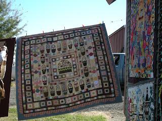 Quilty Folk: A Few Buggy Barn Quilt Show Pictures : buggy barn quilt show - Adamdwight.com
