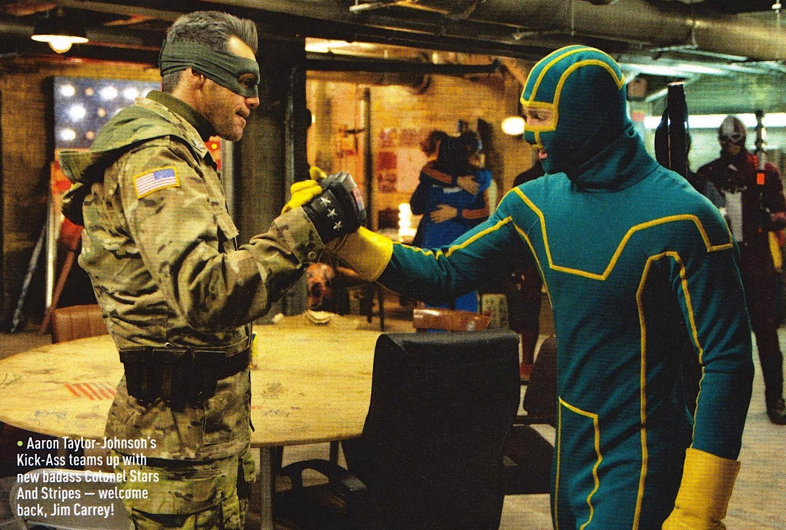 http://1.bp.blogspot.com/-4vyq7I3fS8M/UQar7SW61-I/AAAAAAAAamc/gAqwyYdienw/s1600/COLONEL-KICK-ASS-2_AARON-JOHNSON_JIM-CARREY_EMPIRE-SCAN_.jpeg