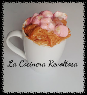 Mug Cake De Fresa Y Nubes O Marshmallows