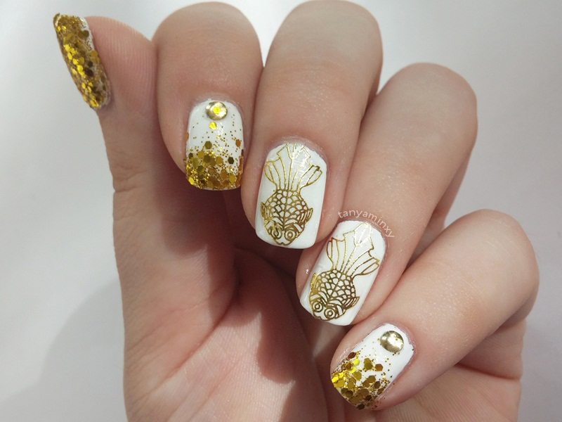 White and gold glitter gradient nails bps gold fish stickers nails nail art design notd tanyaminxy