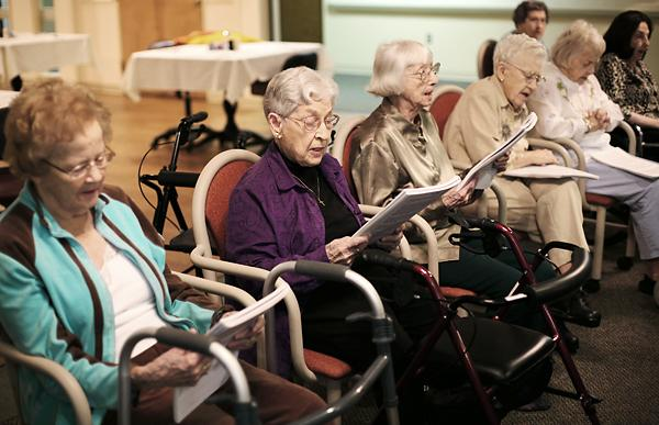 Old mothers in a nursing homes