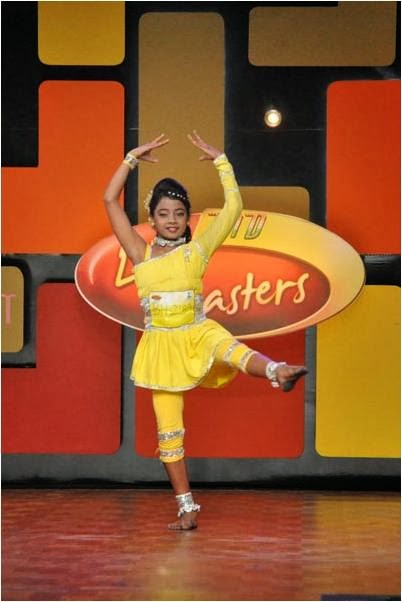 Girl dancing on DID Li'l Masters stage