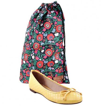 Arezzo coleção Frida Kahlo sapatilha e sacola