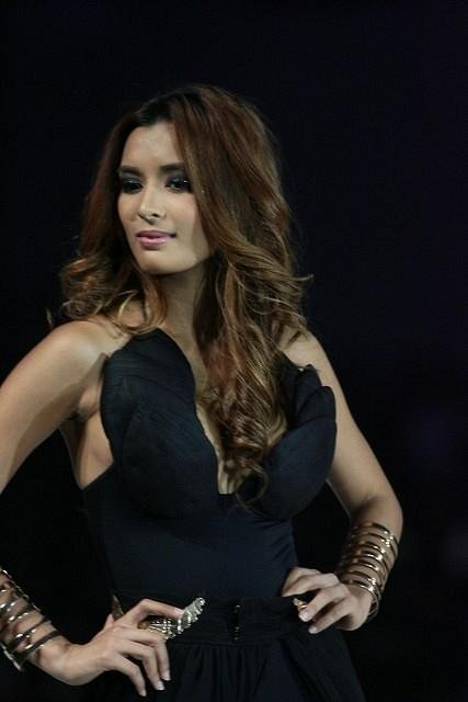 michelle madrigal at fhm 100 sexiest 2012 01