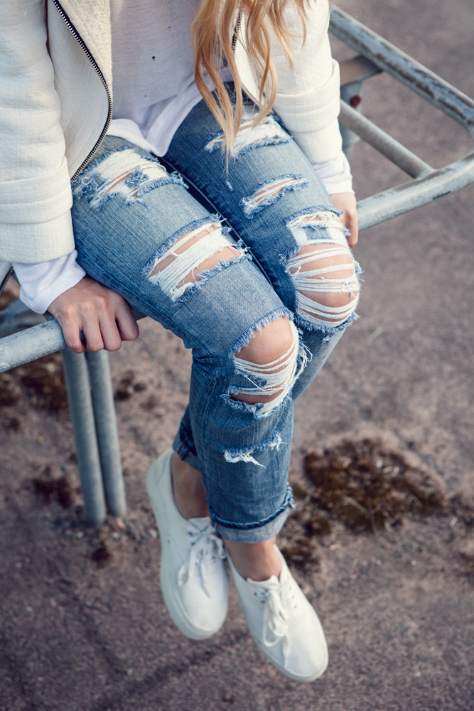 Martina M Diy Shredded Jeans