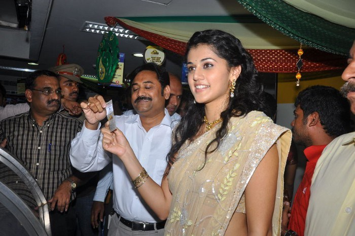 tapsee in saree at tmc electronics cute stills