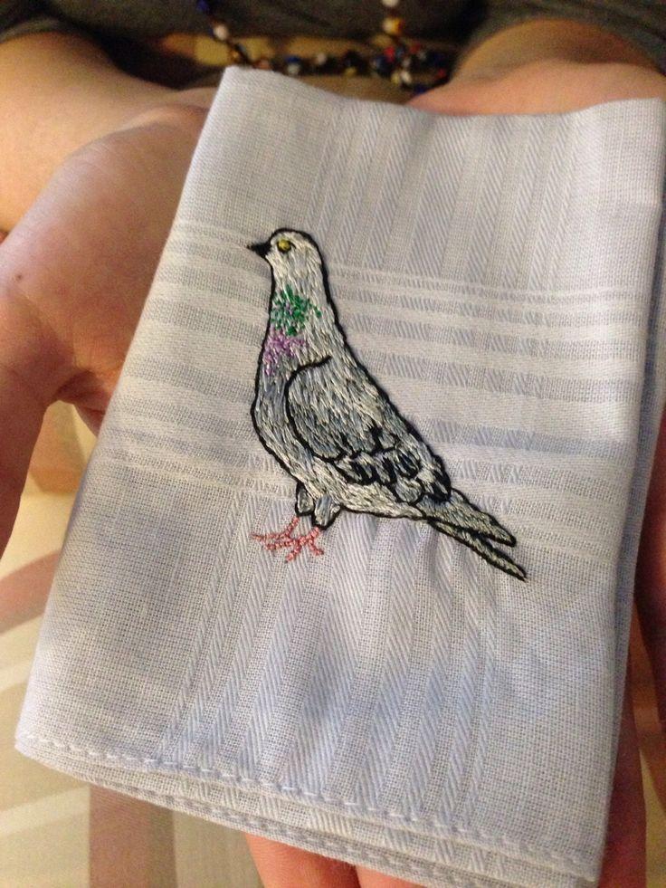 http://lgoldstein.tumblr.com/post/88537803693/pombinha-amiga-bordada-num-lenco-de-algodao-com