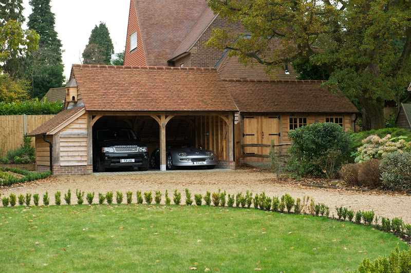 how to build a garage uk