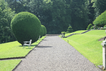 Bricolaje del agua c mo planificar un camino en el jard n for Caminos en jardines