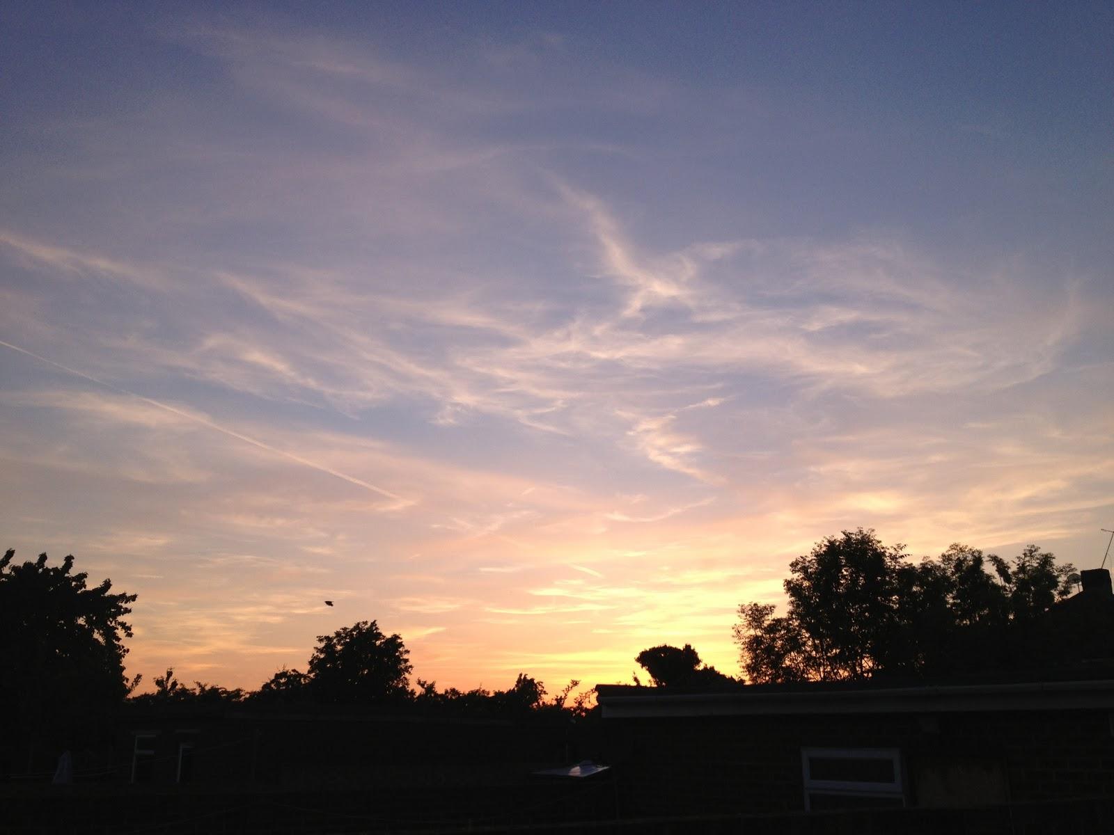 Admiring the Sun and Sky - mlaiu.blogspot.co.uk