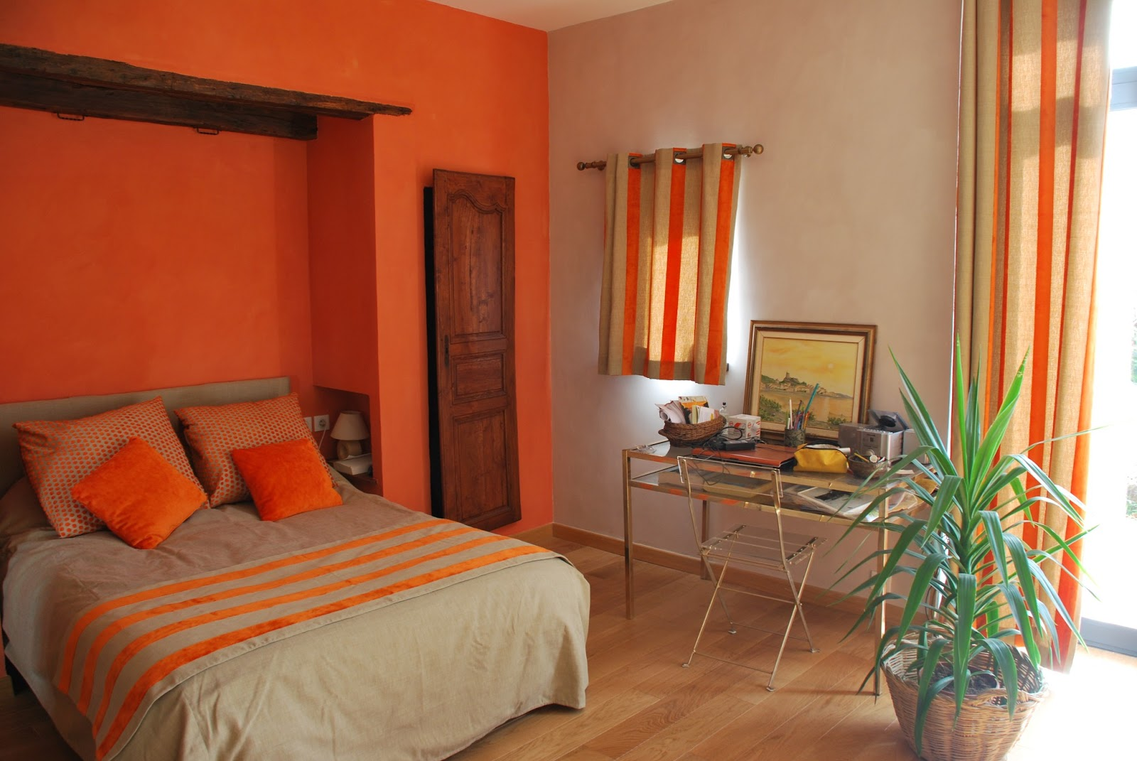 Chambre orange et taupe for Chambre ado orange et gris