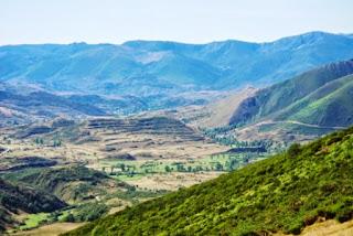 Teverga, ascensión al pico Ferreirúa, vista del valle de Laciana