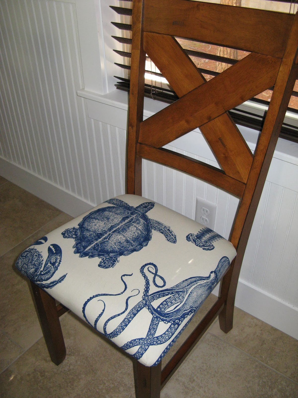 How to reupholster chair seats with rounded corners