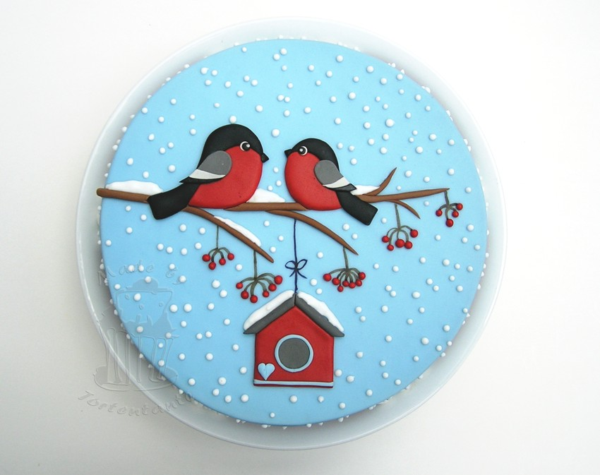 Bullfinch cake winter