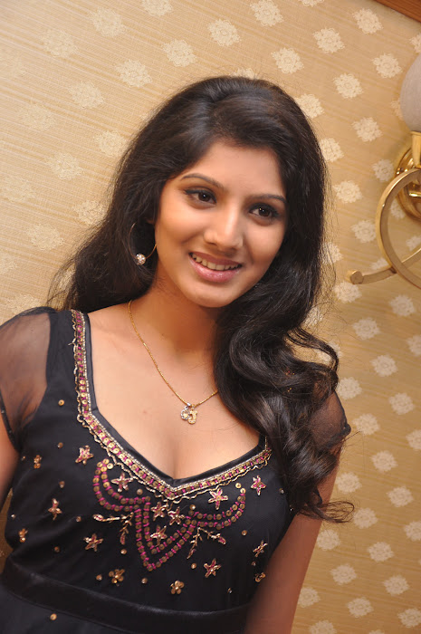 joshna cute stills