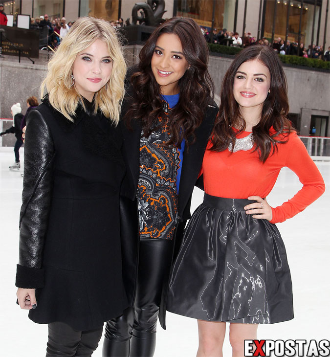 "Ashley Benson, Shay Mitchell e Lucy Hale: ABC Family's ""25 Days Of Christmas"" Winter Wonderland Event em New York  - 02 de Dezembro de 2012"