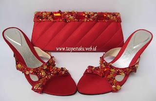 Tas Pesta matching dengan slop sepatu sandal pesta