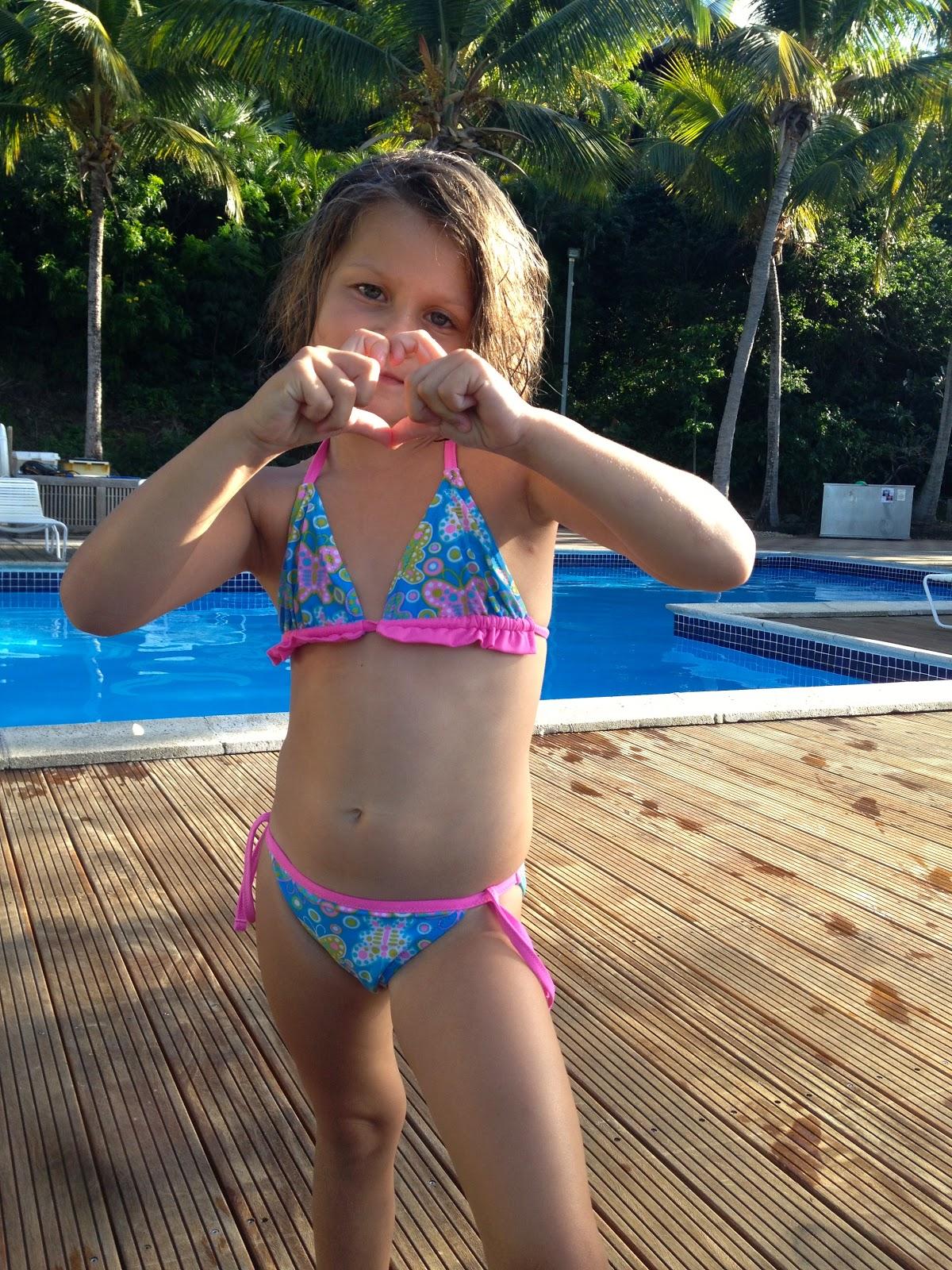 sky kryssord jenter i bikini