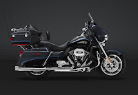 Harley-Davidson CVO Ultra Classic Electra Glide 110th Anniversary Edition (2013) Side