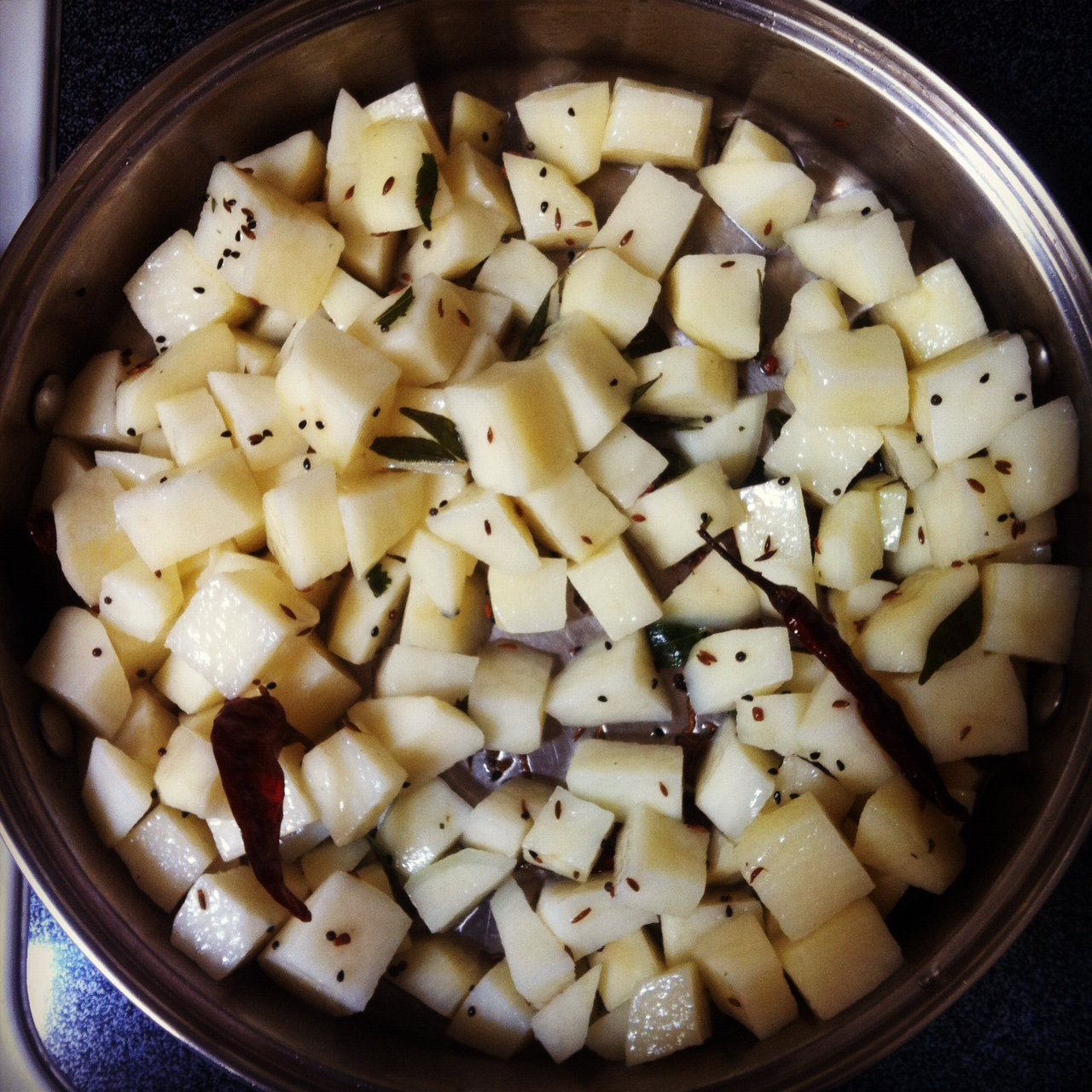 how to keep cut potatoes from turning black