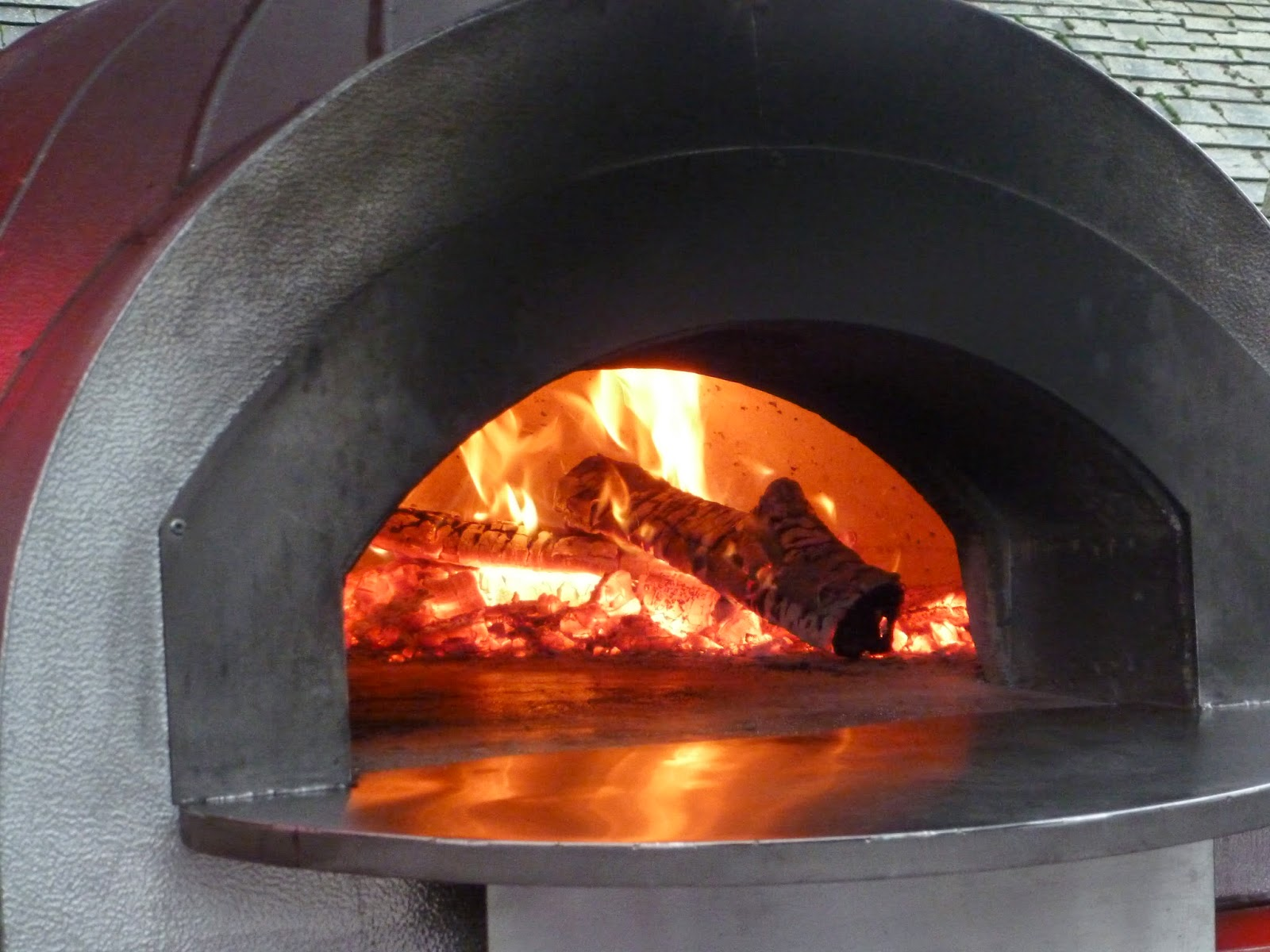 Farmers market stall. Pizza. Woodfired pizza stove oven