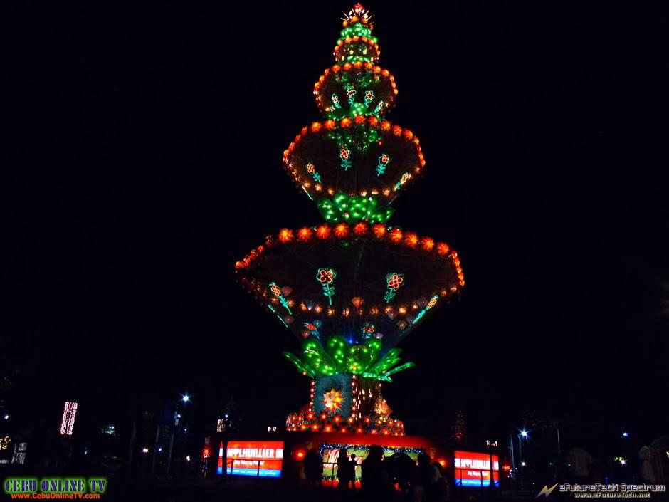 Cebu-Xmas-Tree-2014