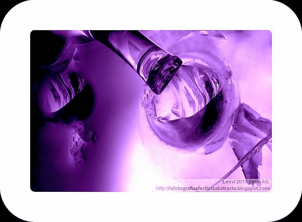 Foto Abstracta 3251  Soy el desequilibrio infinito de una sonrisa - I am the infinite imbalance of a smile