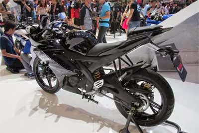 gambar yamaha R15 Midnight Black