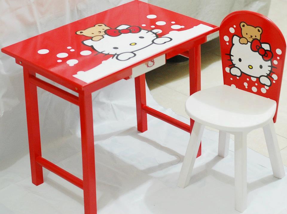 SIMPLE MEJA BELAJAR ANAK Meja Belajar Anak Hello Kitty