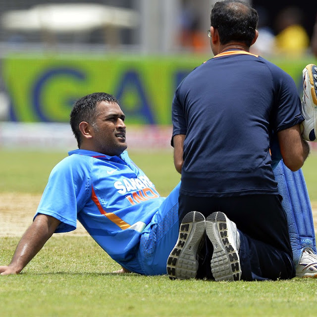 MS Dhoni turns 32, laid low by injury