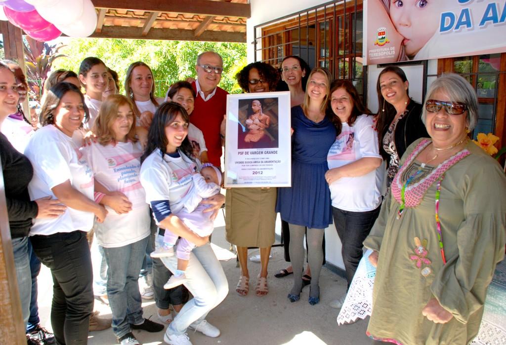 Equipe da Unidade de Saúde da Família de Vargem Grande comemora o título de Amiga da Amamentação