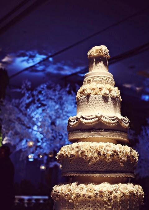 Mẫu bánh cưới đẹp lộng lẫy và cầu kỳ cho tiệc cưới 5