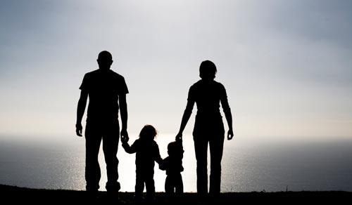 http://1.bp.blogspot.com/-4zSK5f-SxEE/TaVs2wyEzJI/AAAAAAAAARc/wZ5WBMzIa1Q/s1600/ibu+bapa+dan+anak.jpg