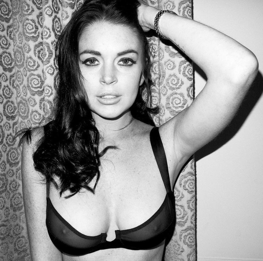 Big tits tight tank top no bra