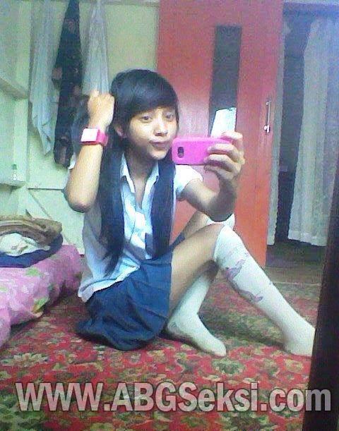 foto gadis smp narsis di kamar   galeri foto bugil artis