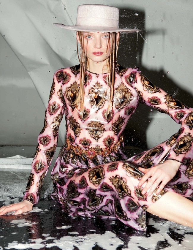 Dolce & Gabbana 2015 SS Pink Silk Organza Sacred Heart Dress Editorials