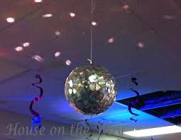 douceur cr atives pour les yeux une boule disco a faire avec vieux cd. Black Bedroom Furniture Sets. Home Design Ideas