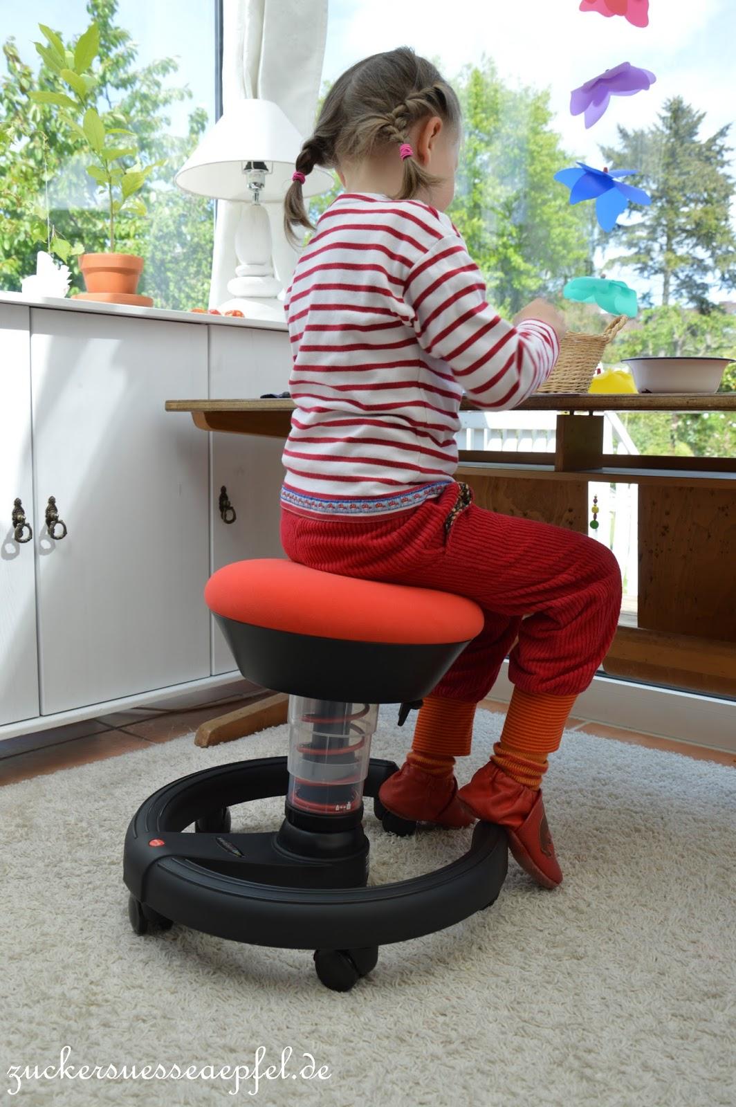 auch am schreibtisch aktiv sein so gehts zuckers e pfel kreativer familienblog. Black Bedroom Furniture Sets. Home Design Ideas