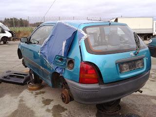 Toyota Starlet från 1997 med 14000 mil på hastighetsmätaren. Servo fanns, samt Airbag på passagerarsidan. Ej standard på denna årsmodell.