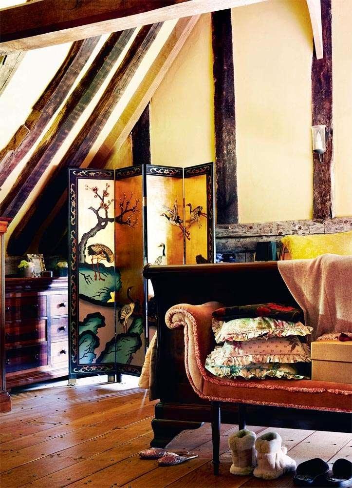 A 14th Century English Home
