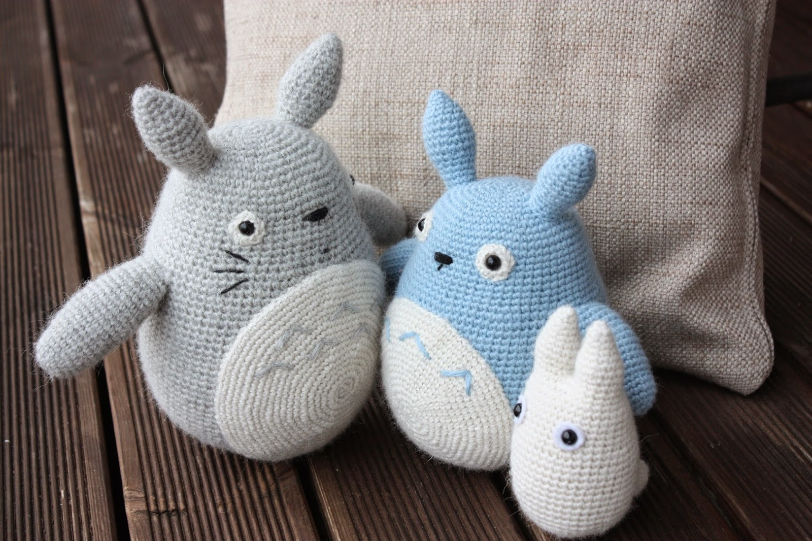 Free Amigurumi Wedding Couple Pattern : HAPPYAMIGURUMI: Amigurumi Totoros: Grey, Blue and White ...