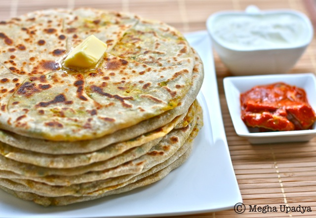 Aloo Paratha - a delicious Indian whole wheat flatbread stuffed with ...