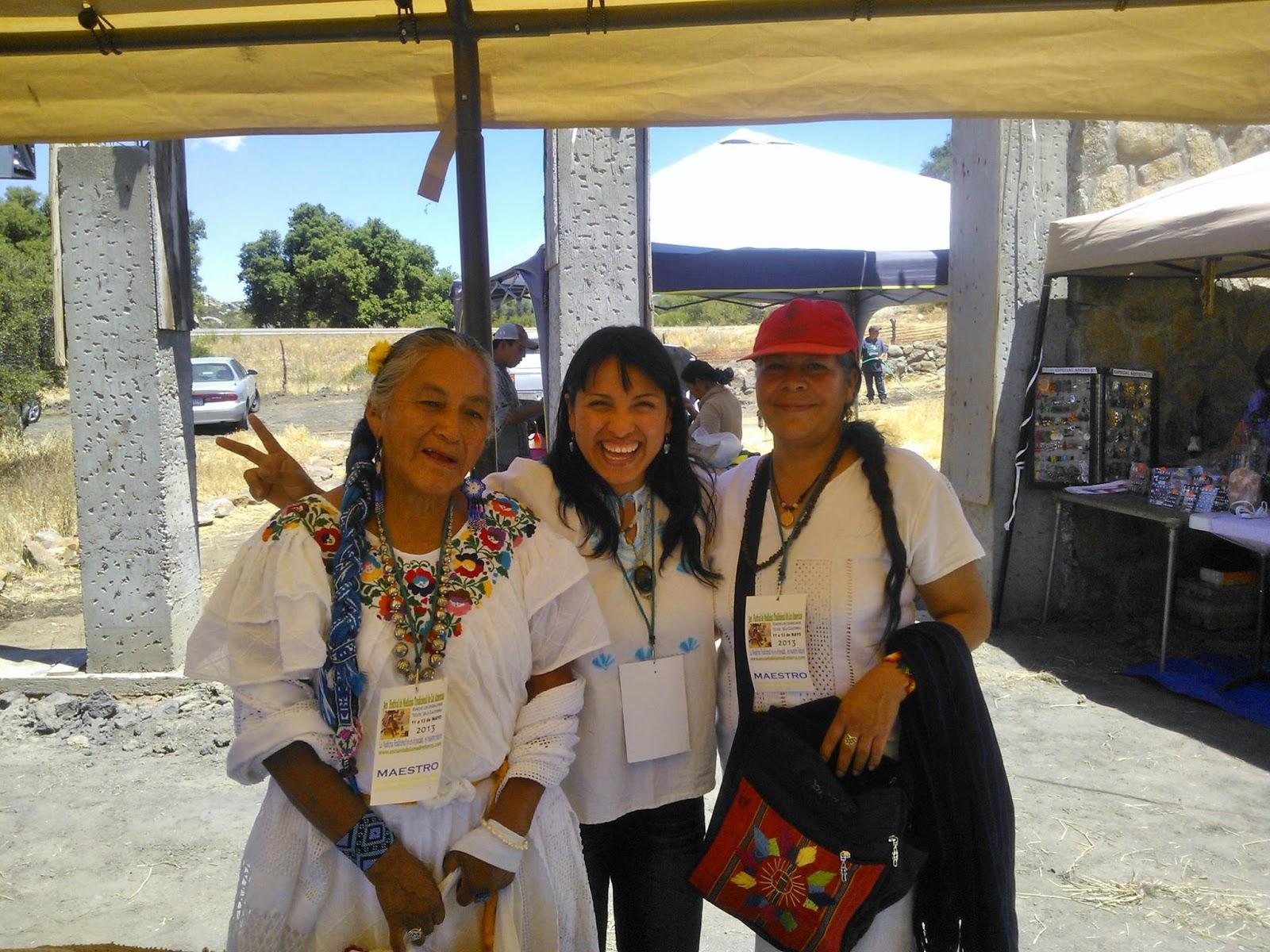 Las maestras del camino de medicina siempre te cuidan..  Festival de Medicina Tradicional 2013, B.C