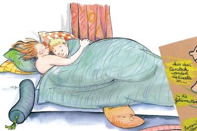 pareja acostada en una cama
