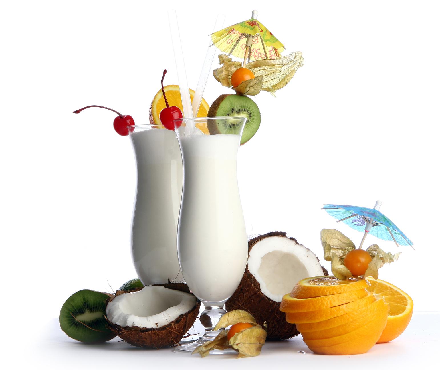BANCO DE IMAGENES GRATIS: Exquisito coctel de frutas con leche, coco ...