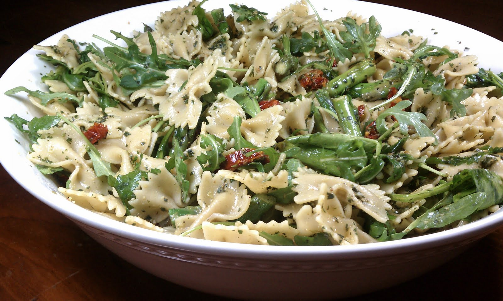 Pesto Pasta with Asparagus, Sun-Dried Tomatoes and Arugula - Emily ...