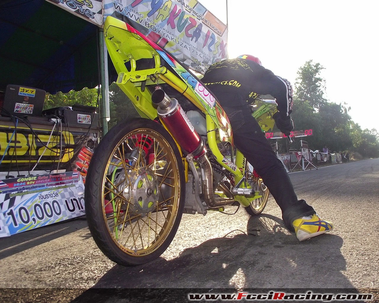 small sun custom: drag racing thailand style - stripped mio